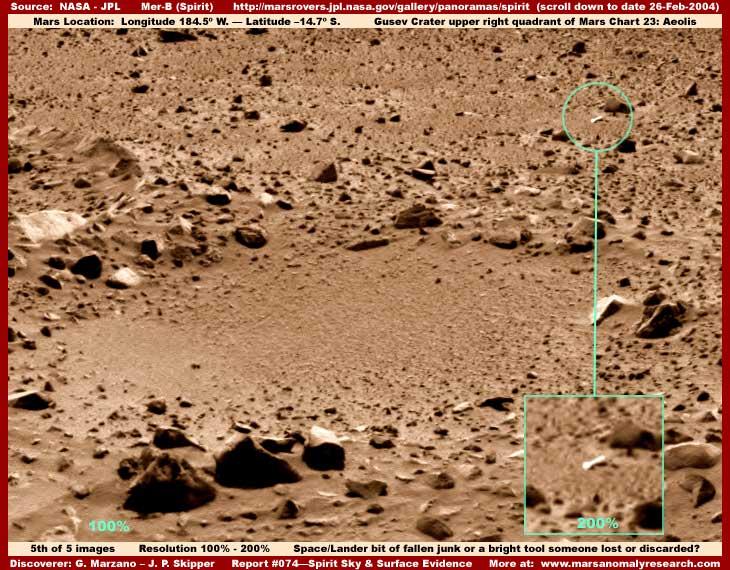 Mars : De bien étranges clichés... 5-074-bright-tool